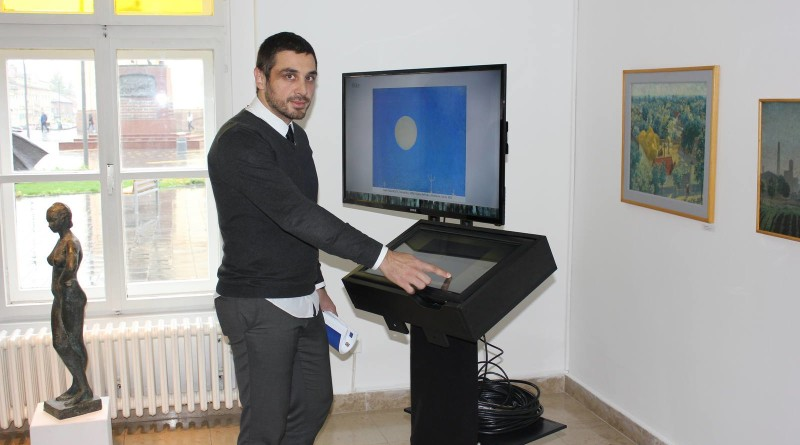 2 - Direktor galerije