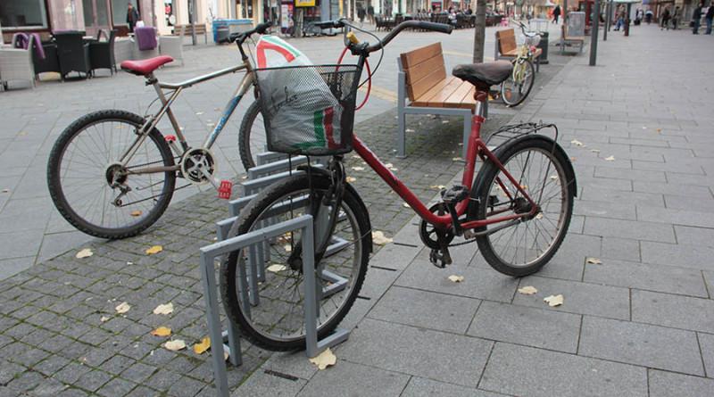 19-1-bicikli u centru