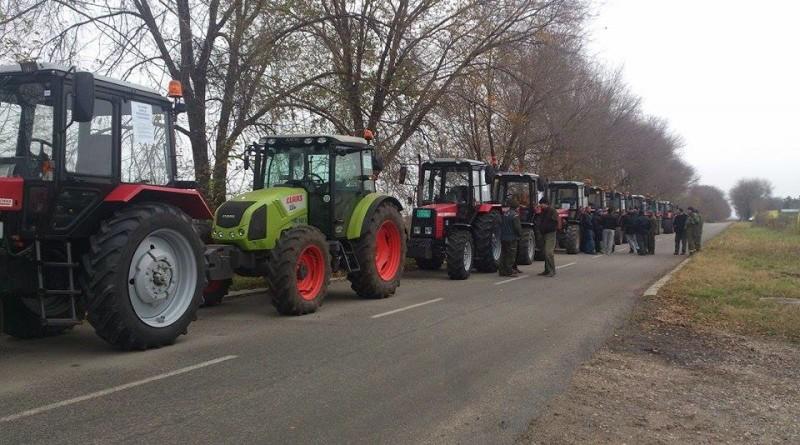 Traktorska kolona zaustavljena kod Stajiceva i Cente 24 XI 2015.
