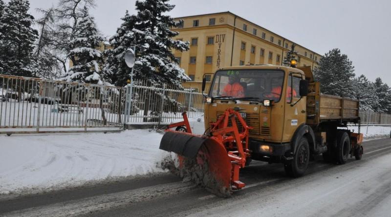 duvanika sneg ciscenje snega  (2)