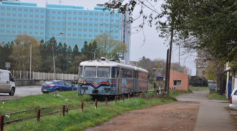 VOZAČI OPREZ: Rampa podignuta, na semaforu zeleno, a voz u punoj brzini