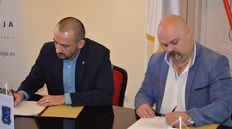 45 - 1A  potpisivanje ugovora za golf teren
