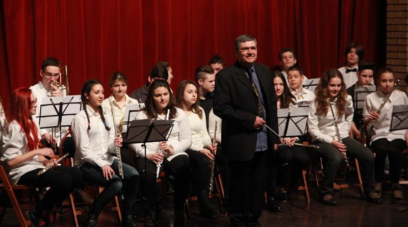 2 - Branislav Gagic i Duvacki orekstar Muzicke skole Josif Marinkovic