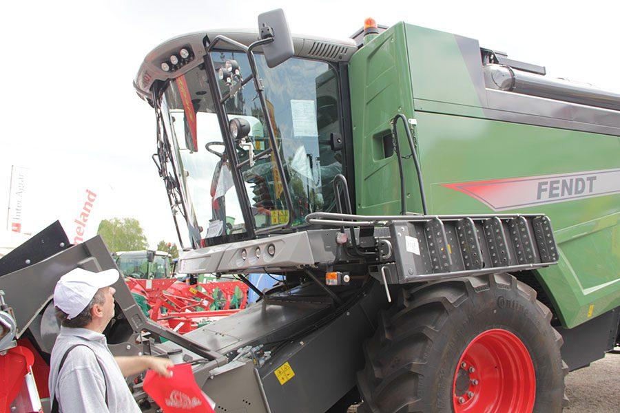 20150514 sajam stojin marin traktor kombajn moderno (11)