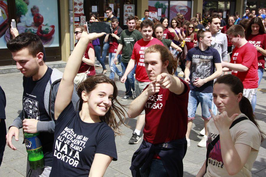 MATURANTI FOTO JOVAN NJEGOVIC DRNDAK 003_resize