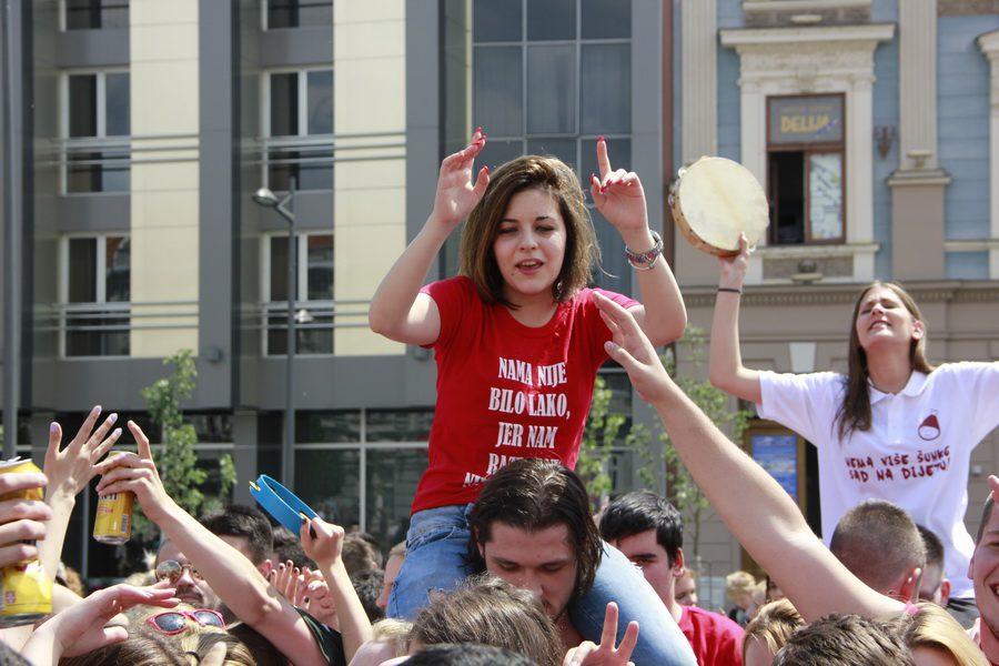 MATURANTI FOTO JOVAN NJEGOVIC DRNDAK 013_resize