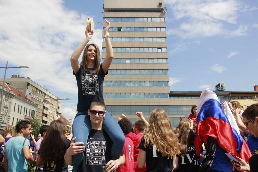 MATURANTI FOTO JOVAN NJEGOVIC DRNDAK 022_resize