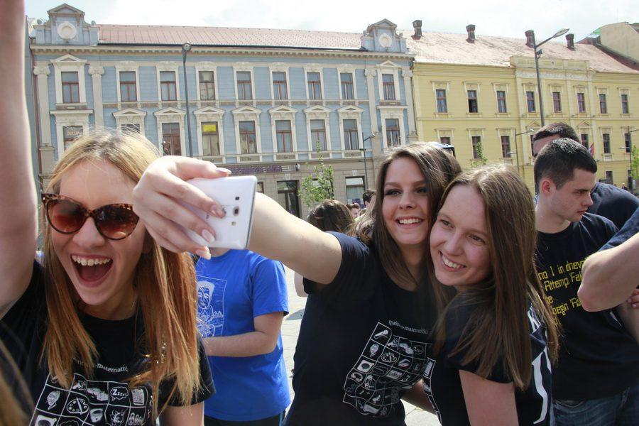 MATURANTI FOTO JOVAN NJEGOVIC DRNDAK 027_resize