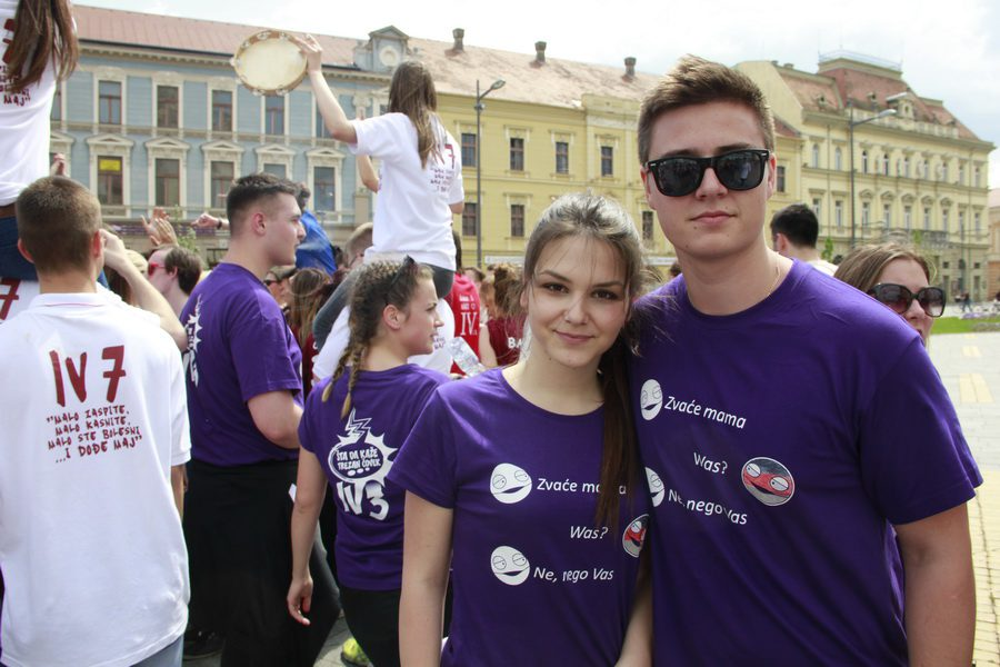 MATURANTI FOTO JOVAN NJEGOVIC DRNDAK 036_resize