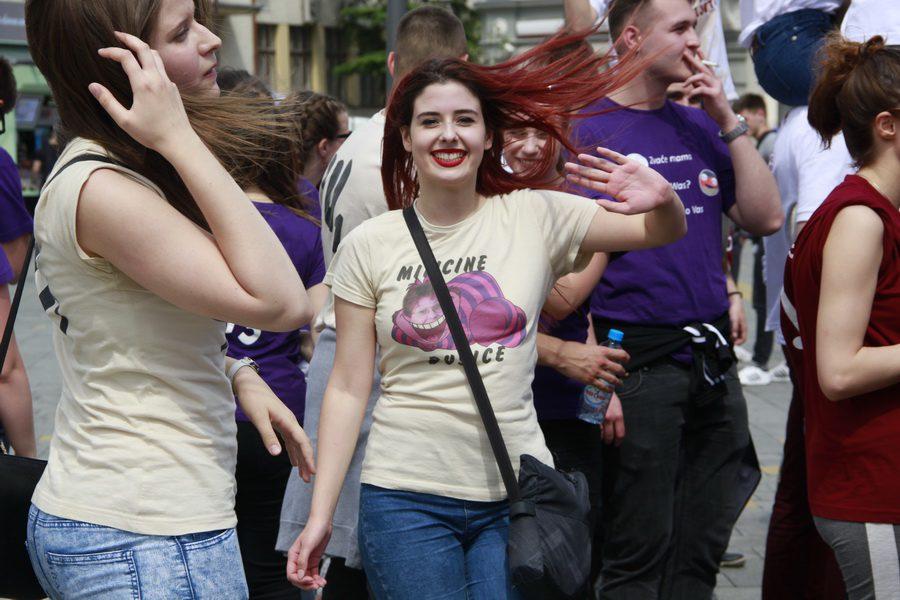 MATURANTI FOTO JOVAN NJEGOVIC DRNDAK 037_resize