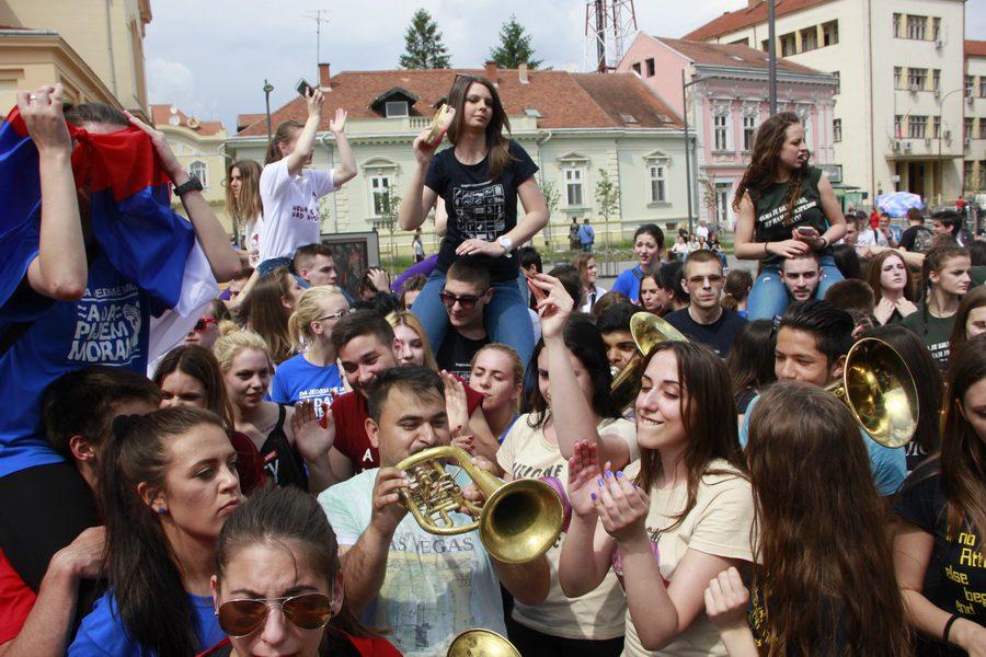 MATURANTI FOTO JOVAN NJEGOVIC DRNDAK 038_resize