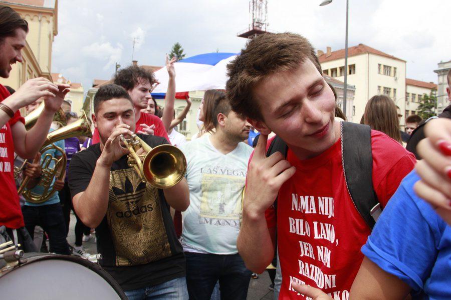 MATURANTI FOTO JOVAN NJEGOVIC DRNDAK 047_resize