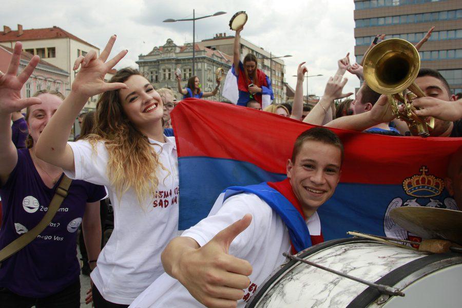 MATURANTI FOTO JOVAN NJEGOVIC DRNDAK 053_resize