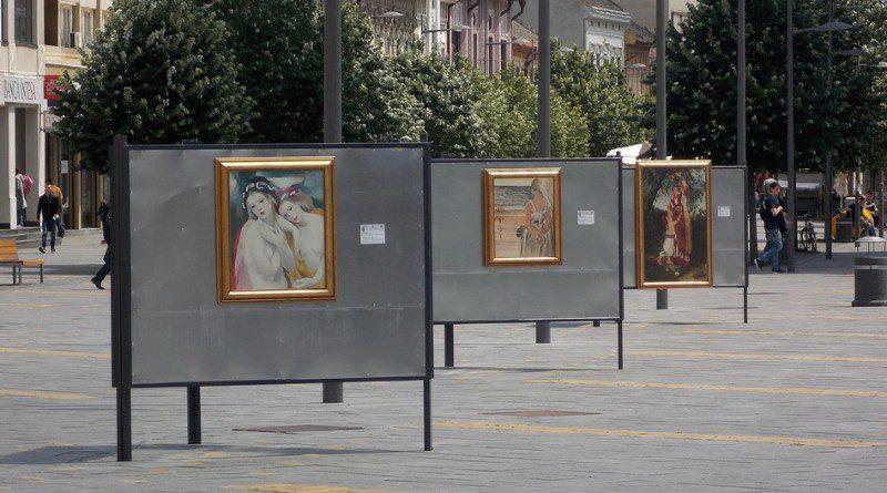 """IZLOŽBA NA OTVORENOM: """"Art tura"""" u centru Zrenjanina"""