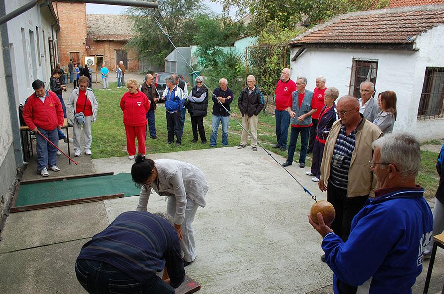 2016-09-21-sportske-igre-penzionera-viseca-kugla