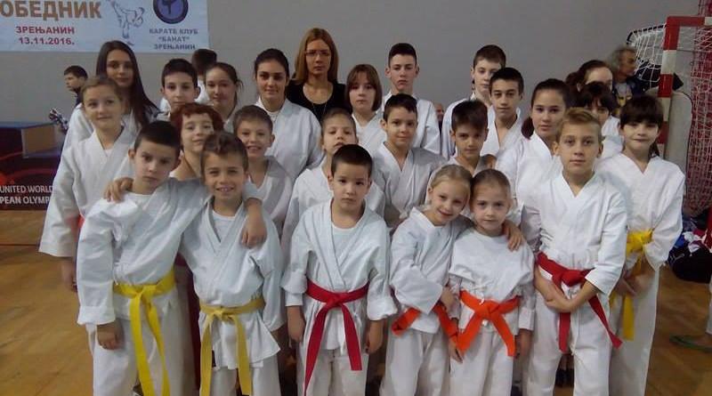 46-1-b-karate-banatski-cvet