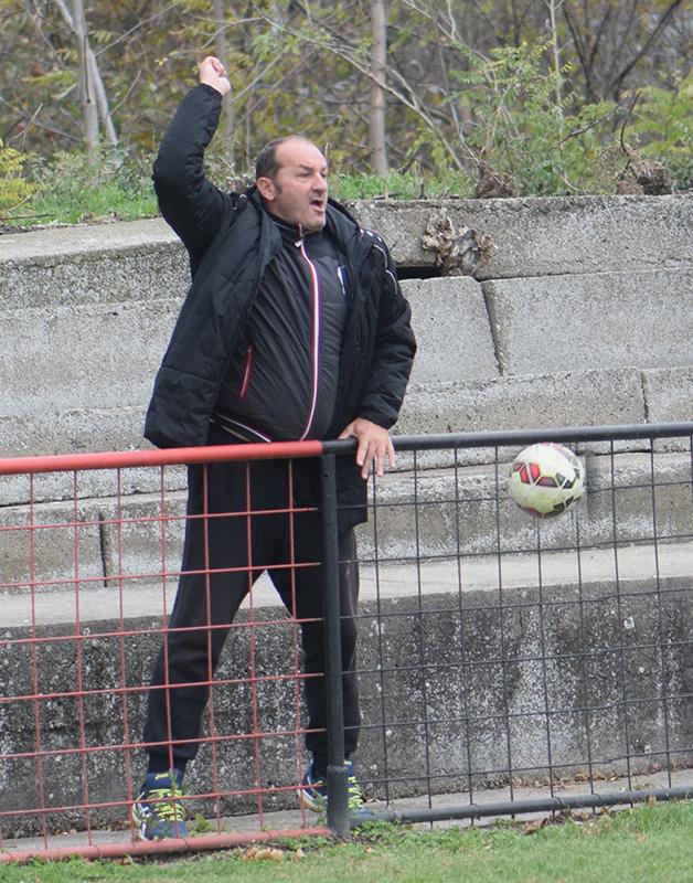 dsc_0236-iskljuceni-trener-protestvuje
