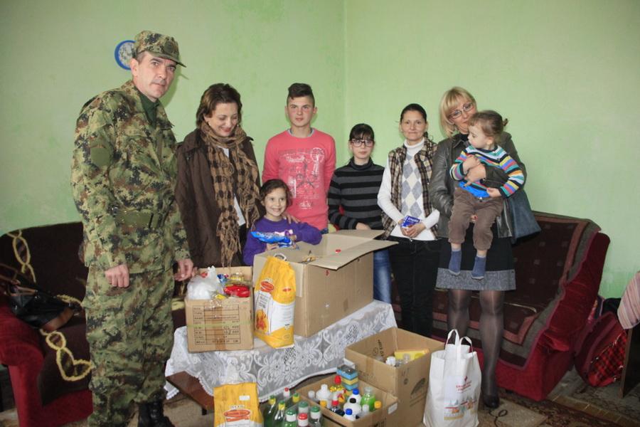vojska-srbije-pomoc-socijalno-ugrozenima-0006