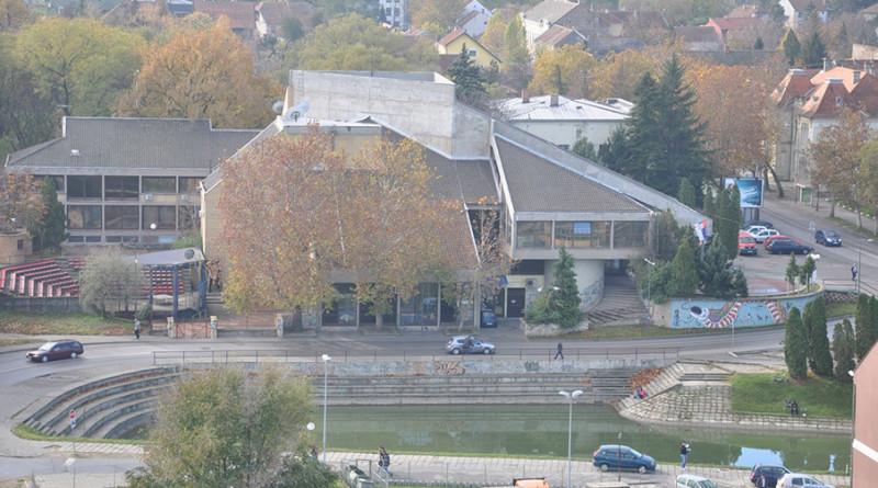 kulturni-centar-dom-omladine-voda-jezero