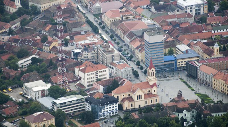 19-1-cenat-trg-katolicka-vodotoranj-muzej-okolo-1