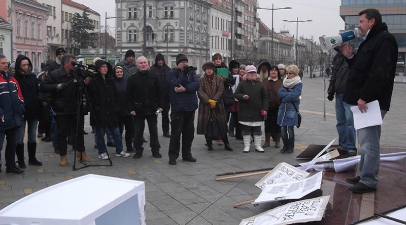 19-1a-protest-grejanje