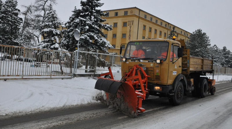 20140129-duvanika-sneg-ciscenje-snega-2