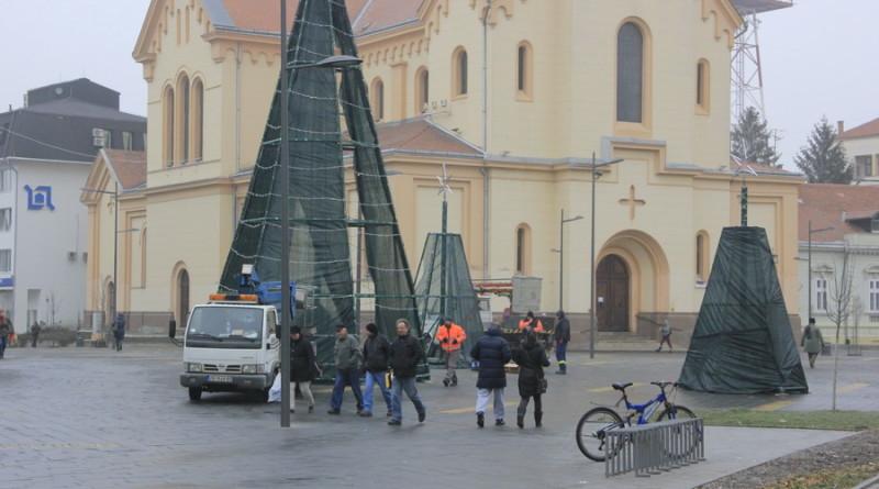 trg-slobode-jelke-ukras-1
