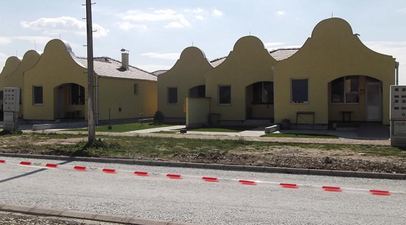 Asfalt i nove kuće u Freanbje Kluza
