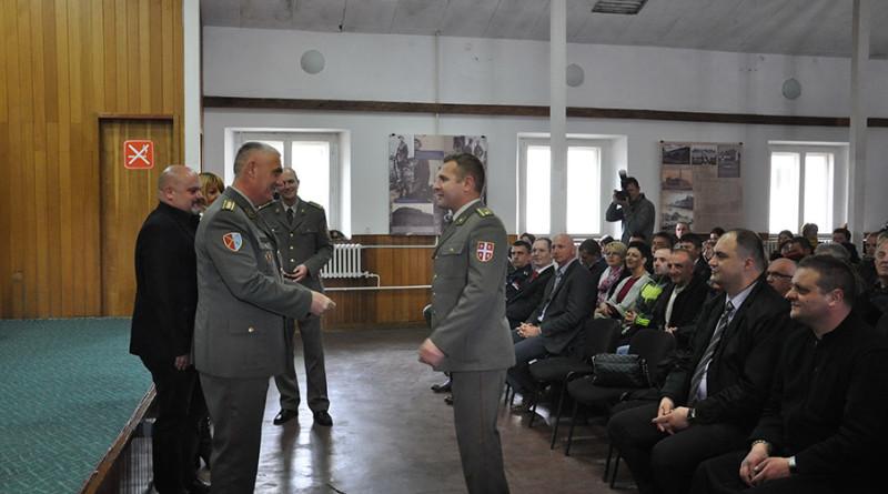 2 - 1 - unapredjenje oficira povodom Dana vojske