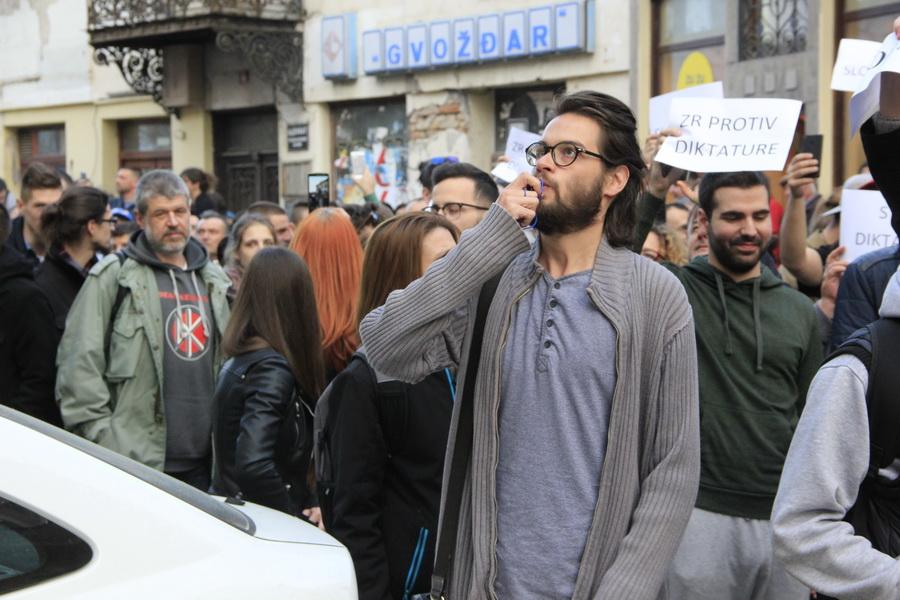 protesti _0004_