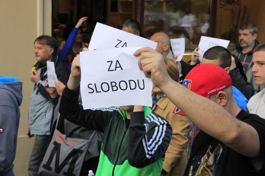protesti _0005_