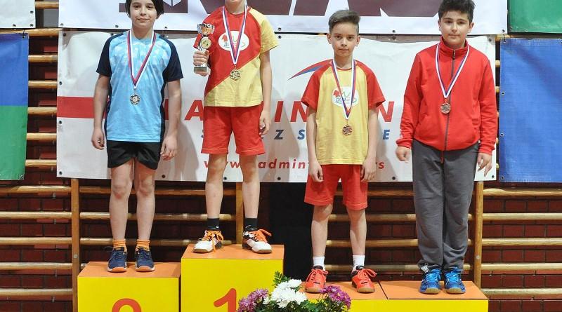 badminton Vanja na postolju