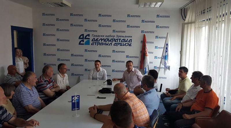 03 20170609 Milos Jovanovic predsednik DSS sa clanovima GO Zrenjanin
