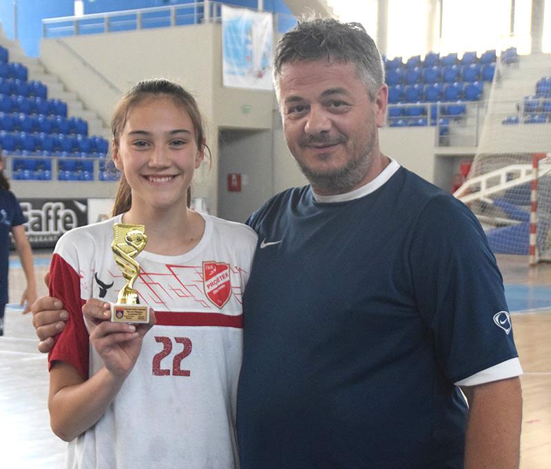 DSC_0577 Naša Mina Miković nakorisnija igračica turnira