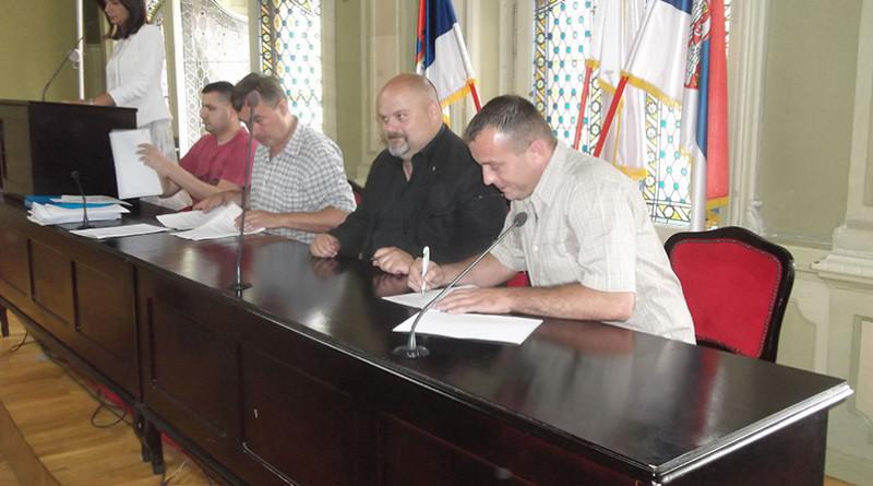 Potpisivanje ugovora sa pcelarima i stocarima