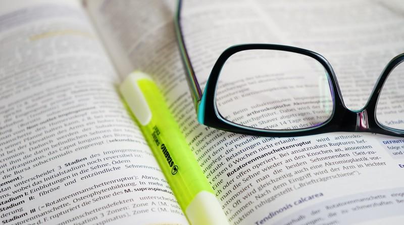 glasses-272399_1280