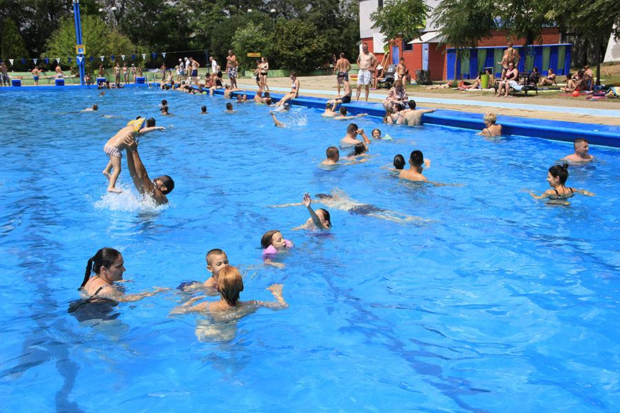 19-1a-Uzivanje na Gradskom bazenu