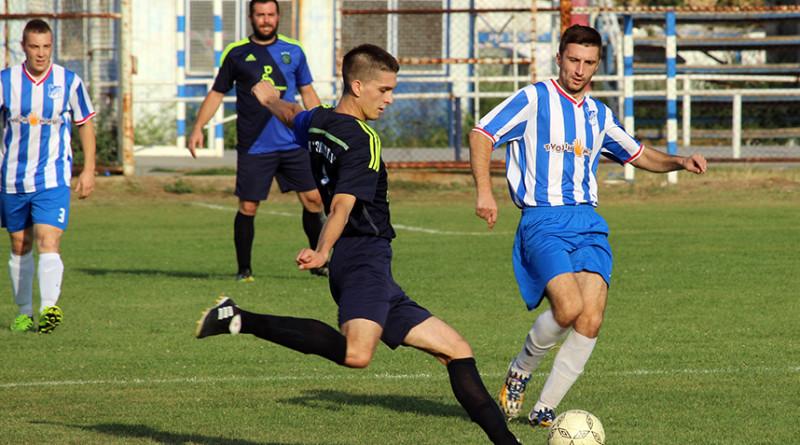 45 - 3 Viktor Jeremic (Zadrugar) i Radoje Malessev (OFK Gradnulica)
