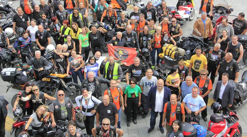 6-1a-vise od 100 motociklista okupilo se proslog petka pred gradskom kucom