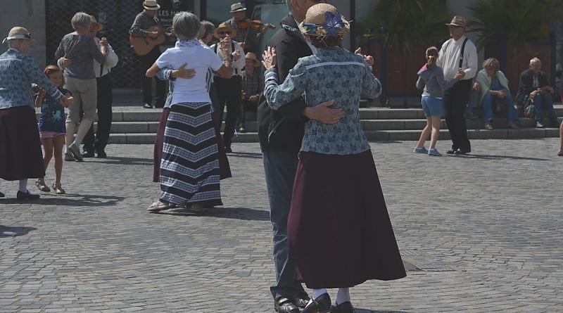 """U MESNOJ ZAJEDNICI """"VELJKO VLAHOVIĆ"""": Škola plesa"""