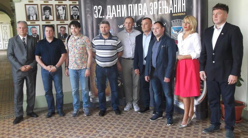 rsz_1-veterinari_srbije_i_rusije_sa_nacelnicom_sb__u_okruga