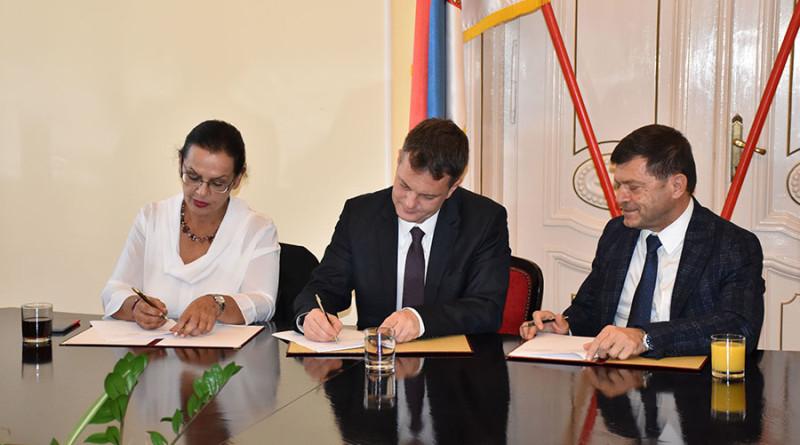 2 potpisivanje ugovora lanako