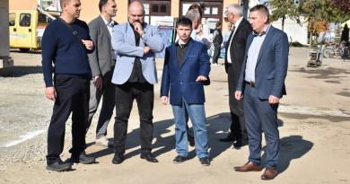 MELENCI: Gradski zvaničnici obišli radove u centru sela