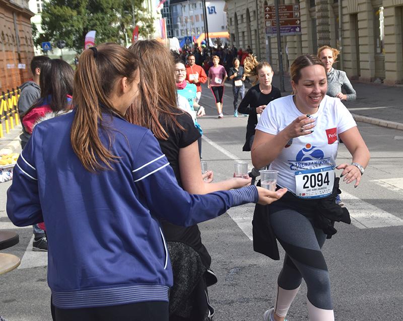 DSC_6638 osveženje za maratonce