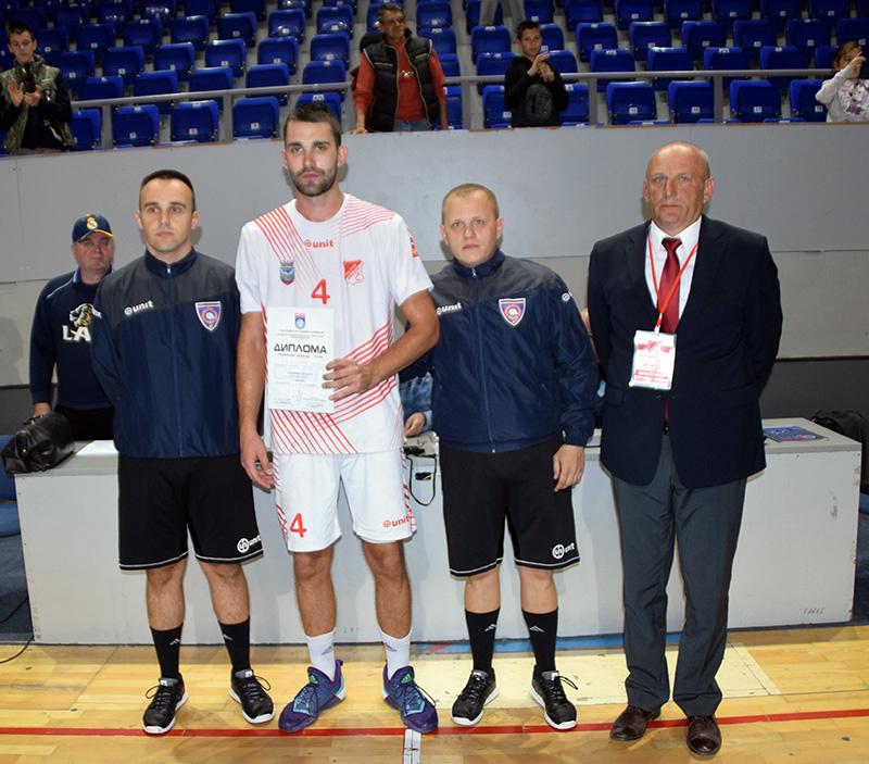DSC_9663 Trninić Marko sa diplomom najbolji igrač utakmice