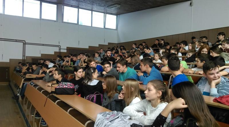 ČAS PROGRAMIRANJA: Studenti održali čas osnovcima i srednjoškolcima