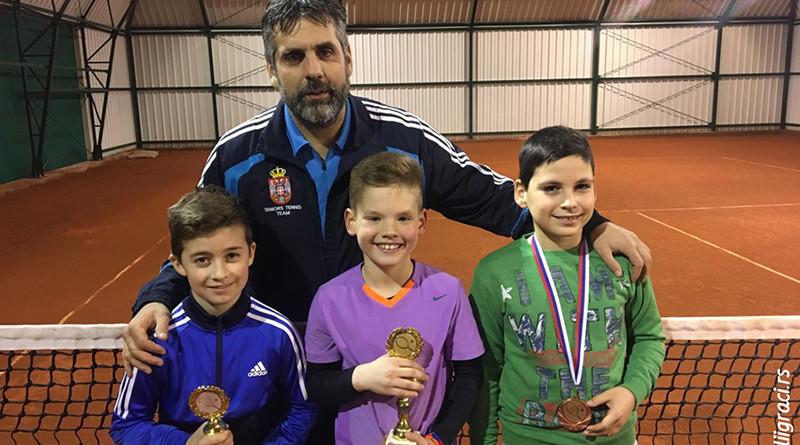 46 - 5 vesti tenis Vanja Nikolic i Marko Denda