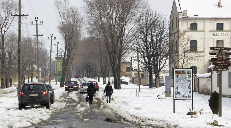 01 20180309 sela zima trotoar (1)