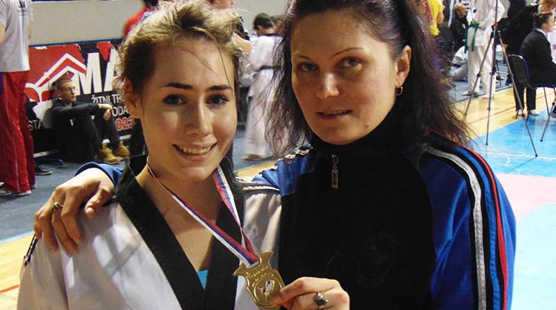 47 - 2 A Tekvondo Valentina Milic i trener Dijana Peric
