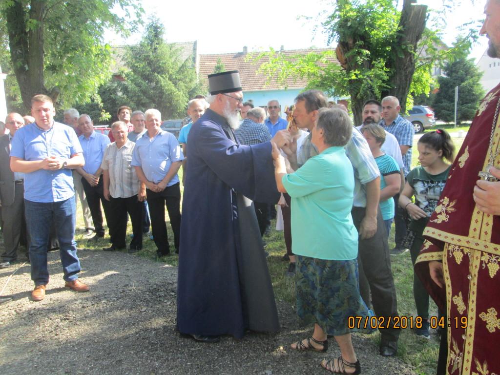 Knicanin Norod pozdravlja vladiku Nikanora